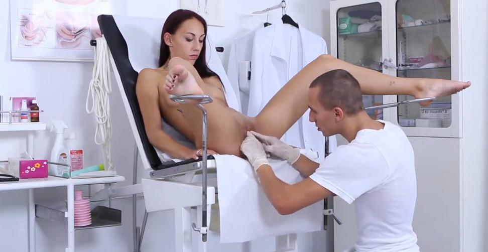Порно видео онлайн секс в кабинете гинеколога