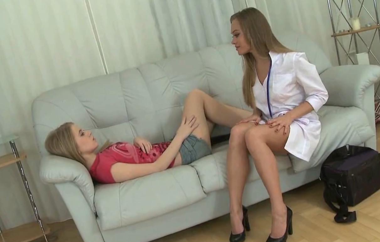 Порно Медсестра Совратила Пациентку